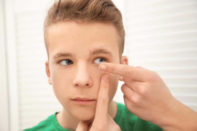 Preventia miopiei prin purtarea lentilelor dure sau ortokeratologia